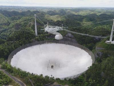 Учени призовават да се възстанови разрушеният радиотелескоп Аресибо