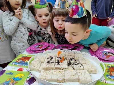 Специални торти радват малките рожденици в старозагорска детска градина