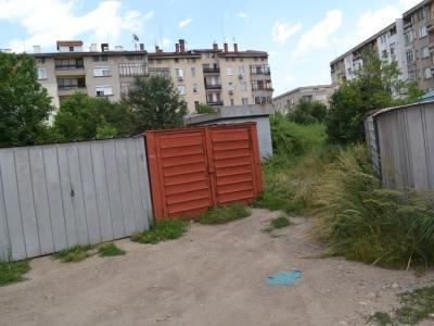ГЕРБ - Казанлък предложи изготвяне на програма за премахване на металните гаражи