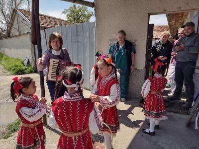 Деца лазаруваха за болно момиче от Стара Загора