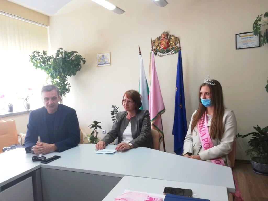 Първа среща на кмета на Казанлък с кандидатките за Царица Роза 2021