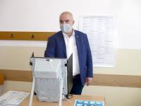 Маноил Манев, ГЕРБ-СДС: Гласувах за това, градежът, а не изчегъртването да води България